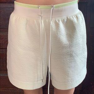 Nike Crepe Structured Shorts Medium